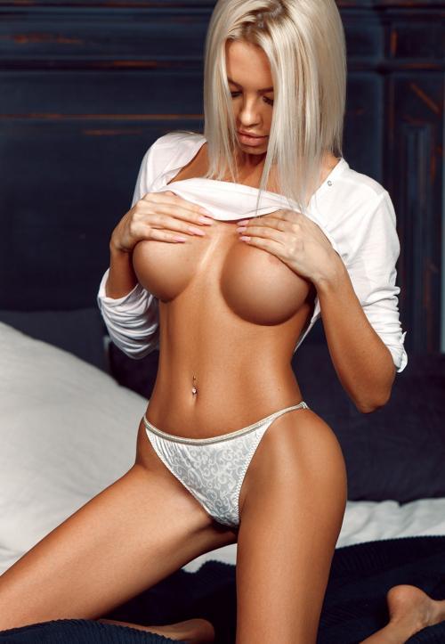 Замужние индивидуалки москва бесплатно без регистрации смотреть секс массаж